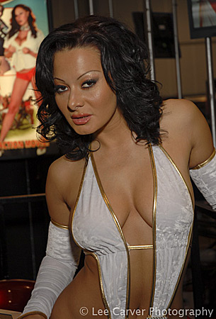 Sandra Romain at the 2007 Adult Entertainment Expo for Evil Angel ...: www.pornstarportraits.com/performers/sandraRomain.shtm